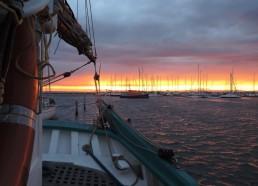 Le soleil nous quitte sur port Camargue