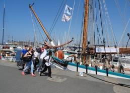 Arrivée des matelots à bord de la Fleur de Lampaul
