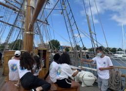Les matelots profitent du pont du Français…
