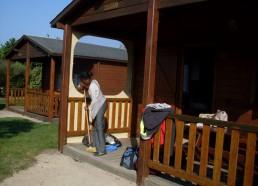 Emmanuelle fait le ménage
