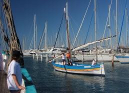 Les bateaux typiques du sud nous attendent pour le départ