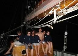 Les matelots profitent de 5 feux d'artifices en même temps !