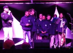 Les matelots et Olivier Reich au festival de chants marins, Hissez Oh