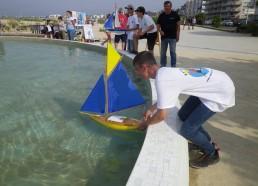 Lancement du bateau pour l'équipe de Théo et Alisson