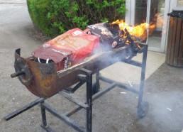 Le barbecue prend, trop fort nos Matelots