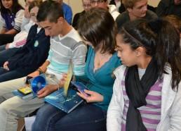 Les Matelots repartent avec photos & DVD des films des expéditions ainsi qu'un livre de photos de plongée offert par M.PILARD de l'association ECOSYS Environnement