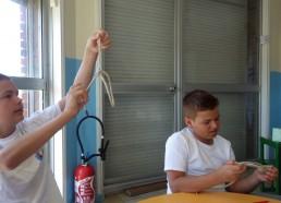 Louis et Loïc testent leurs nœuds