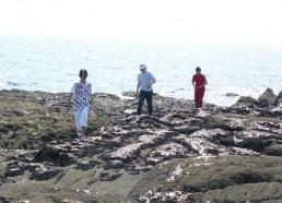 Des matelots sur les rochers