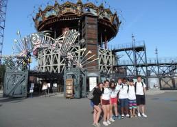 Nos Matelots devant le « Carrousel des Mondes Marins »