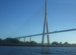 On passe le pont de Normandie