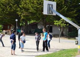 Pas de répit pour les matelots, Clément organise un basket au Razay