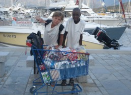 Un cadi plein pour l'avitaillement car on mange beaucoup en mer !