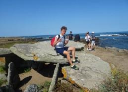 Pascal installé sur le dolmen