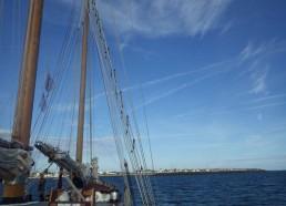 Après une journée de navigation, les matelots arrivent tranquillement au port de Pornichet