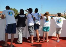 Les matelots profitent d'une belle vue sur la Rochelle
