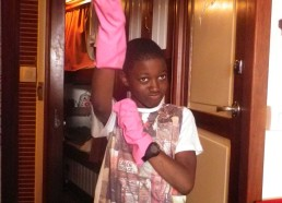 La vie à bord passe aussi par des tâches ménagères
