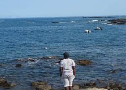 Makhan médite face à la mer