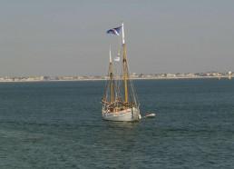 Dernières manœuvres du Notre Dame des Flots avant son entrée dans le port de Pornichet