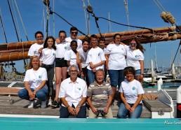 Les matelots, l'équipe encadrante, Patrick Lemesle, Président des MDV et Jean-Yves CHAUVE, membre de l'association