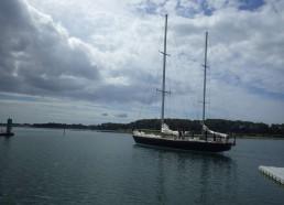 On croise Pen-Duick 6 en arrivant à Lorient