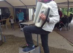 Frédéric à l'accordéon