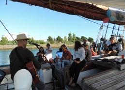 Petit concert sur le bateau