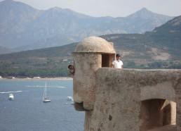 Les matelots visitent la citadelle de Calvi