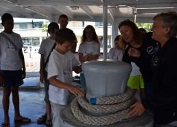 Les matelots sont missionnés, à chacun son grade, bosco, boulanger, second…