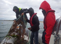 Florent, Abderamane et Luc motivés pour remonter le filet