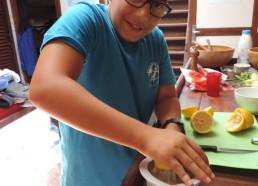 Elias presse du citron